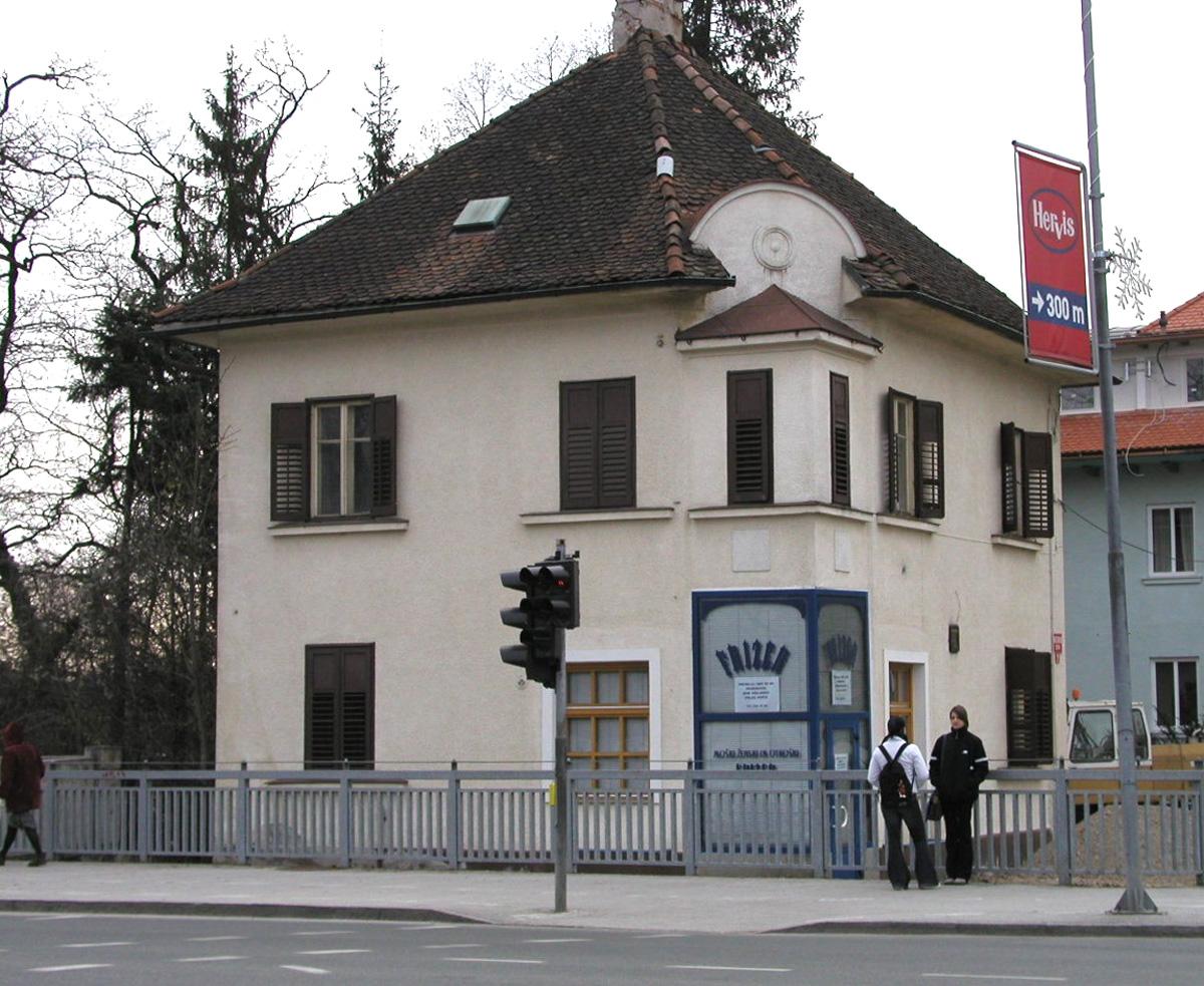 Before-Primer prenove hiše - 3.